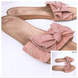Fergalicious Mauve Mallory Sandals with Bow Pink
